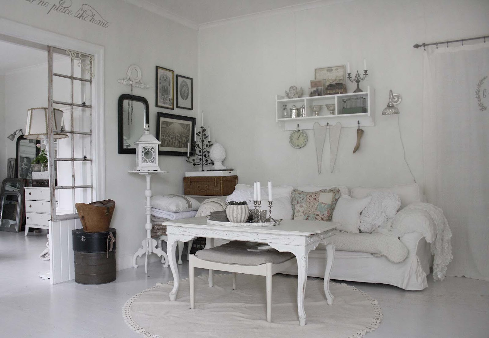 Vintage house interior living room - Vintage White Chabby Chic Interior