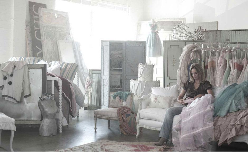 37 dream shabby chic living room designs decoholic for Rachel ashwell house