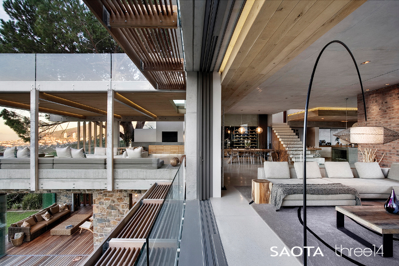 Contemporary Chic House With A Comfortable And Relaxed