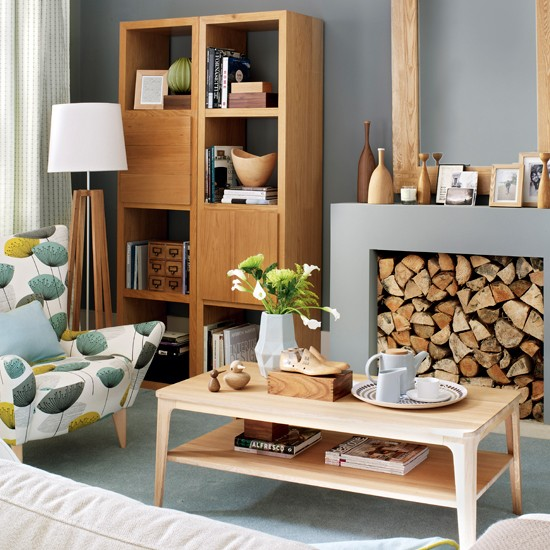 wood accent colors for gray living room
