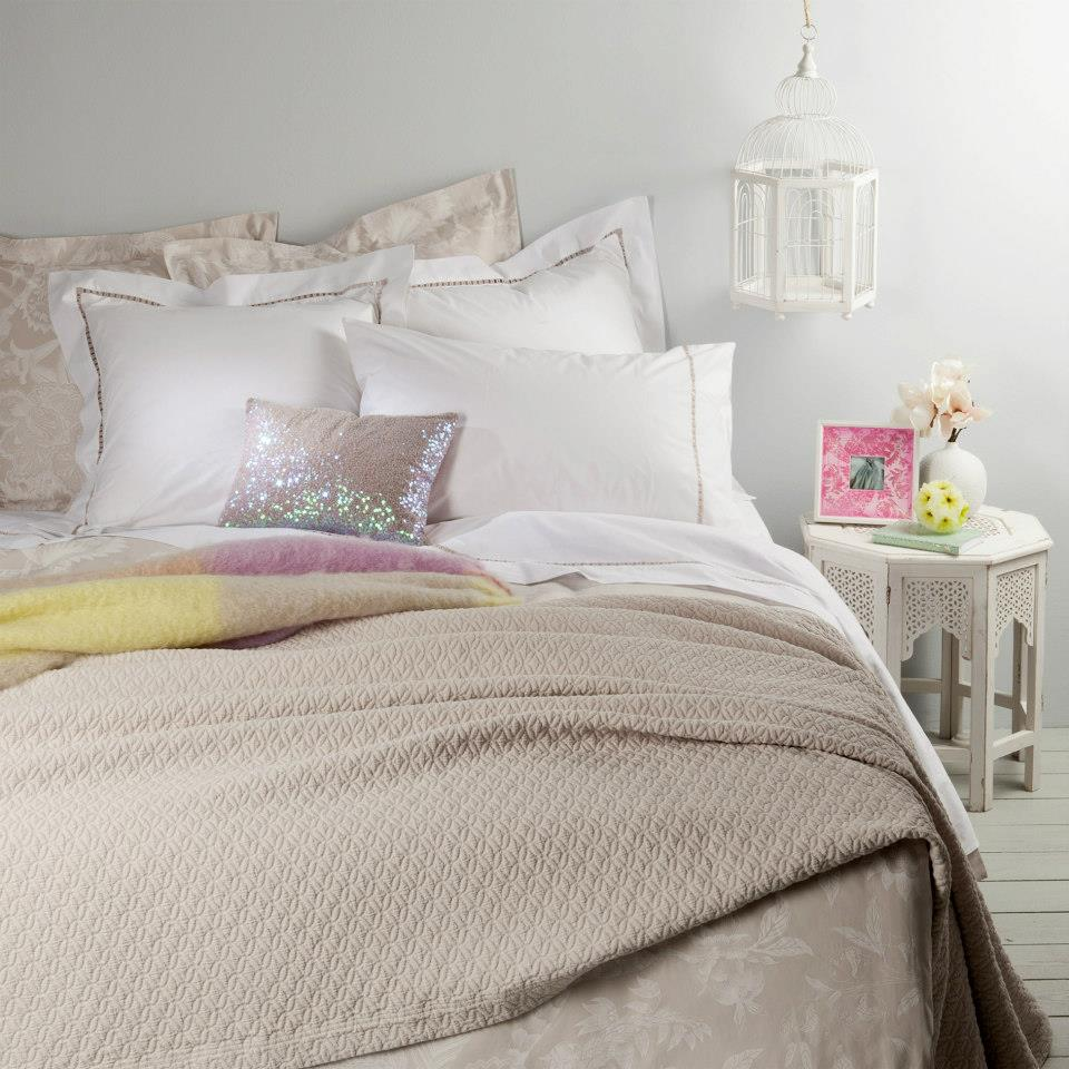 Spring summer 2013 bedroom collection by zara home decoholic - Bed room color for girls ...