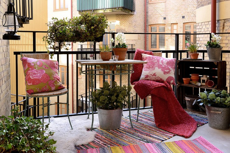 Charming Apartment With Spring Decorating In Sweden15 Modern Apartment With Spring Decorating Modern Apartment With Spring Decorating charming 15 spring apartment interiors 740x493
