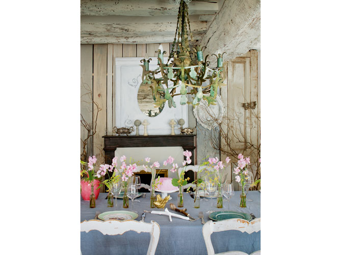 dining room with french decorating details