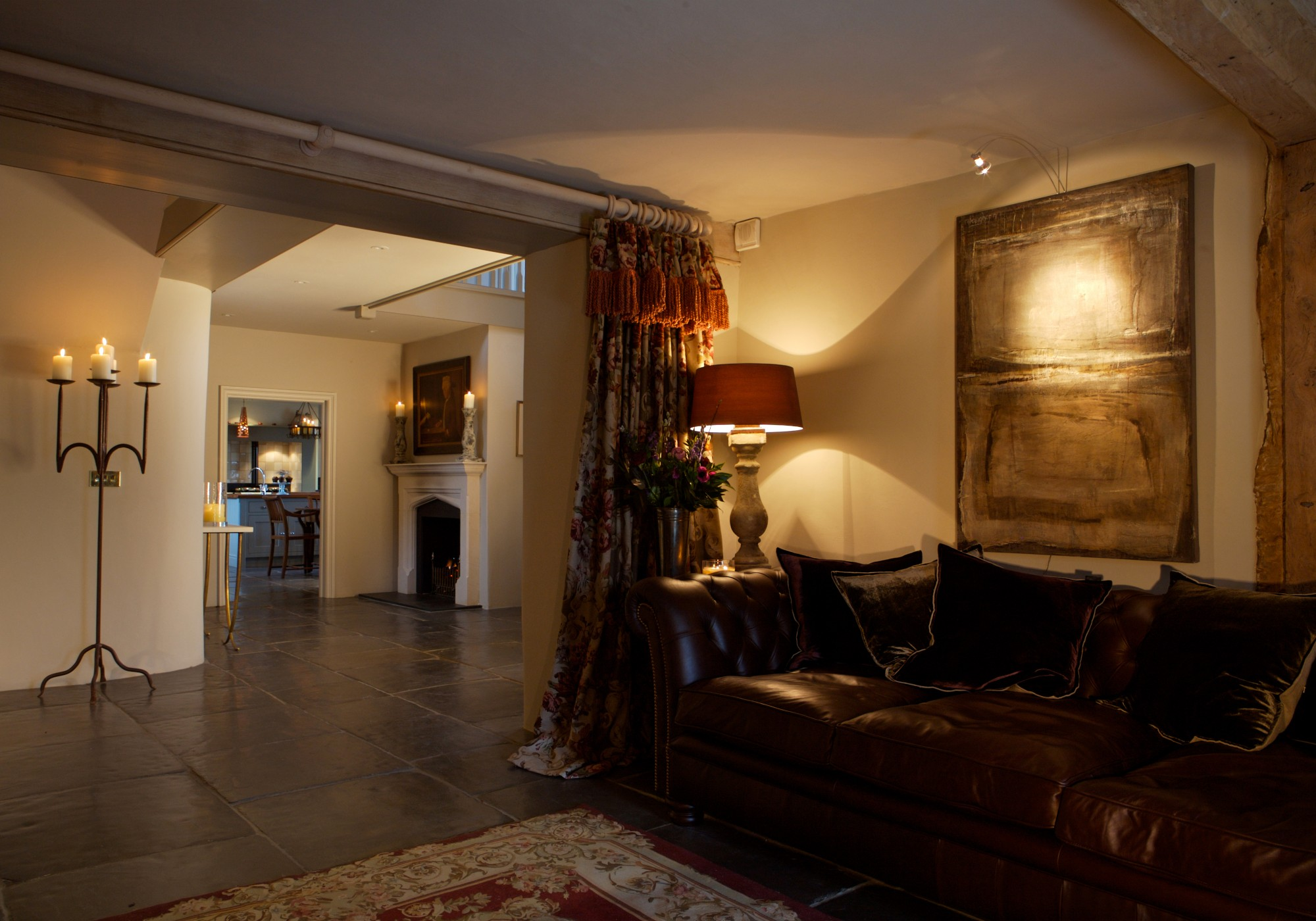 Blending The Eclectic Design To Traditional Interiors