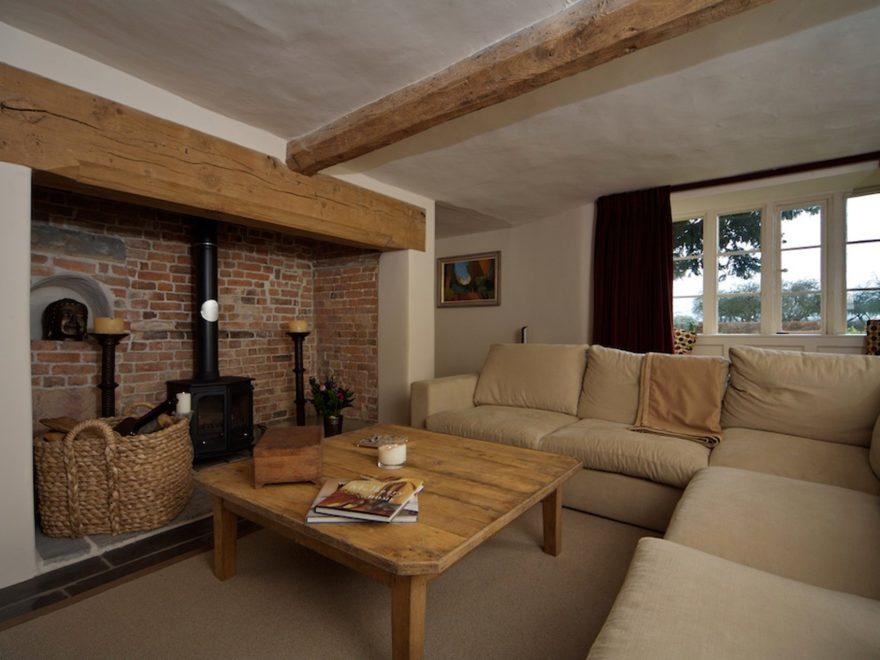 english traditional farmhouse interiors