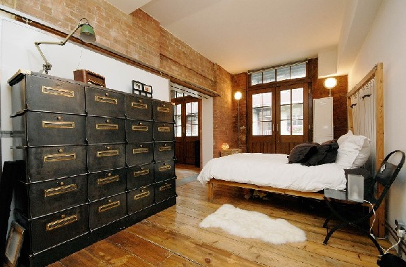 Good Industrial Bedroom Design 20