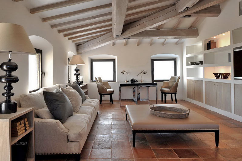 Luxury villas that letting you settle in to the italian for Italian living room ideas