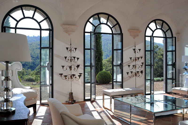 Luxury villas that letting you settle in to the italian for Interior designs villas