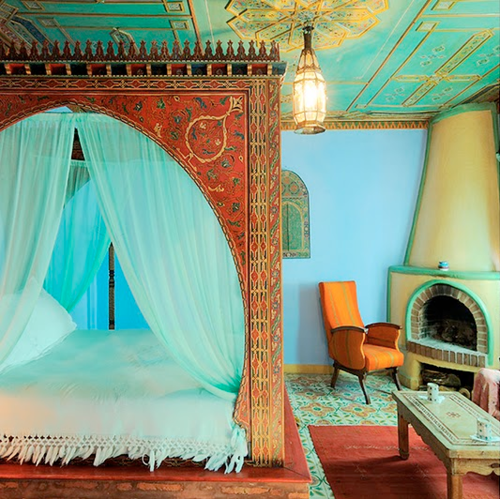 40 moroccan theme bedroom design inspirations by decoholic for Moroccan bedroom inspiration