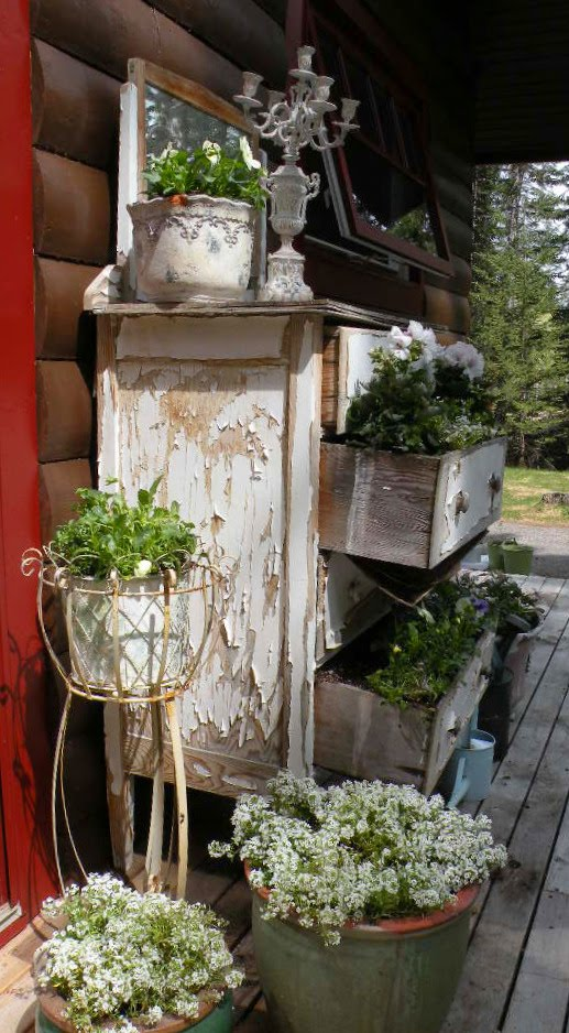 Home Decorating Ideas Using Junk