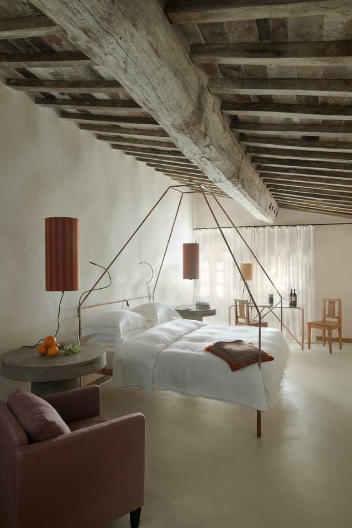 exposed beams in bedroom