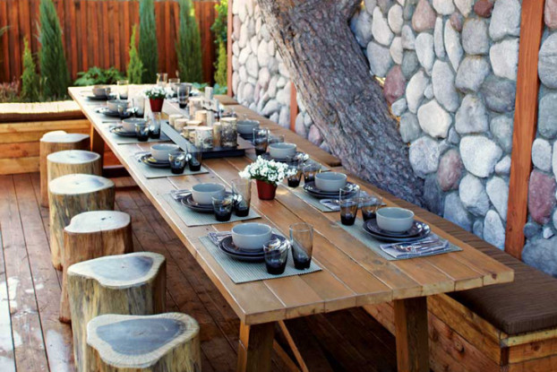 Backyard-natural-Dining-Room-2