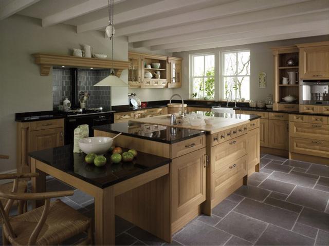 Cornell Oak Traditional Wood Kitchen