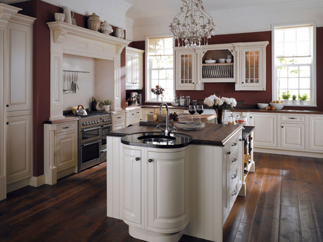 Traditional Curved Painted Kitchen
