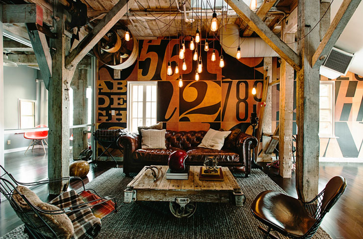 Warhouse turned into creative vintage office space decoholic for Decoration loft industriel