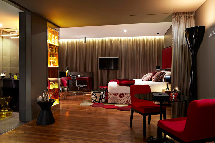 QT Sydney Designer Boutique Hotel 10