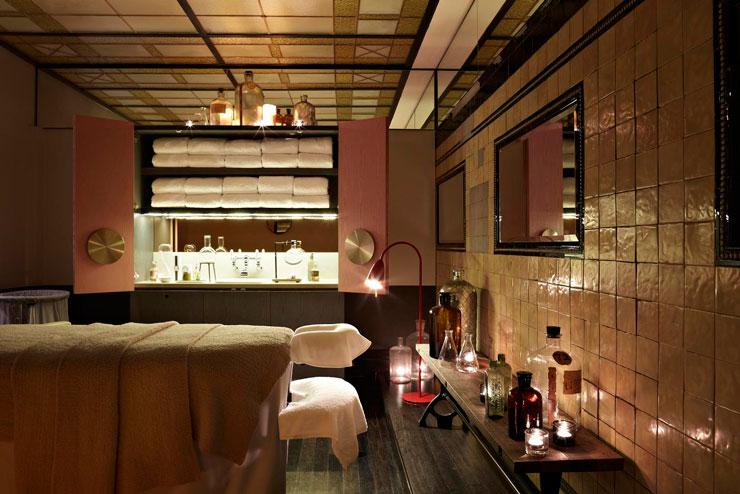 QT Sydney Designer Boutique Hotel 19