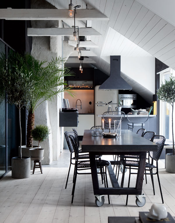 Scandinavian Attic House by Johan Israelson