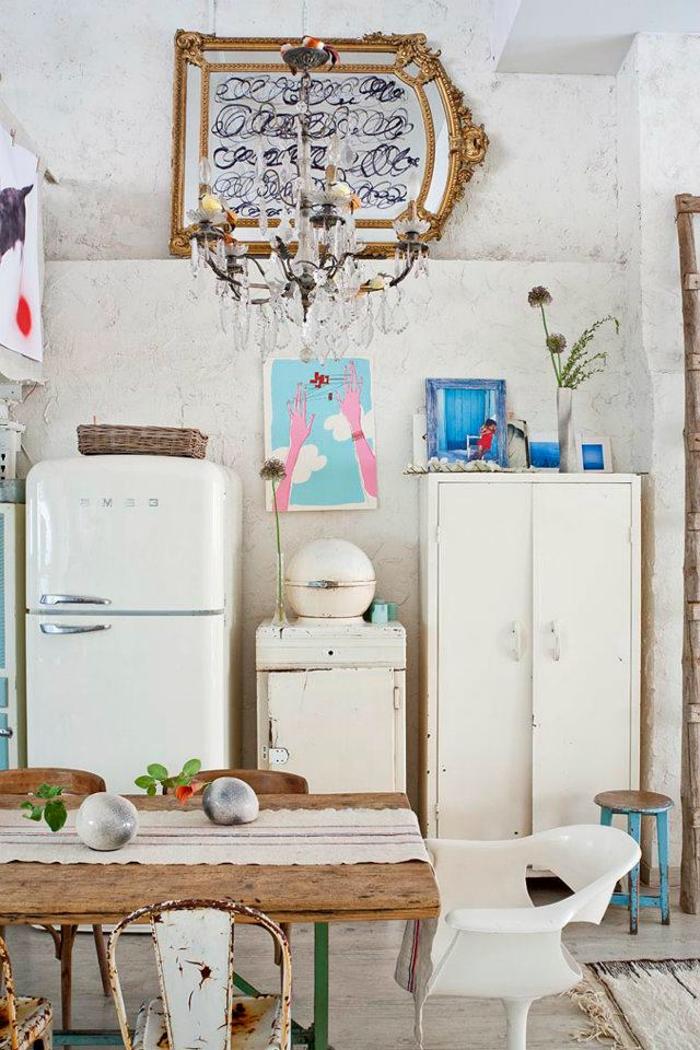 Eclectic Vintage Home interior 14