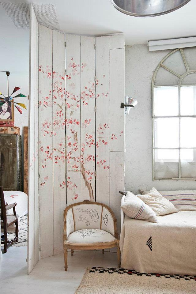 Eclectic Vintage Home interior 16