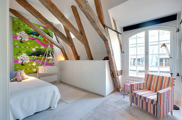 attic penthouse with beams 12