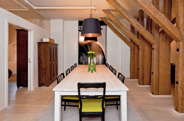 attic penthouse with beams 3