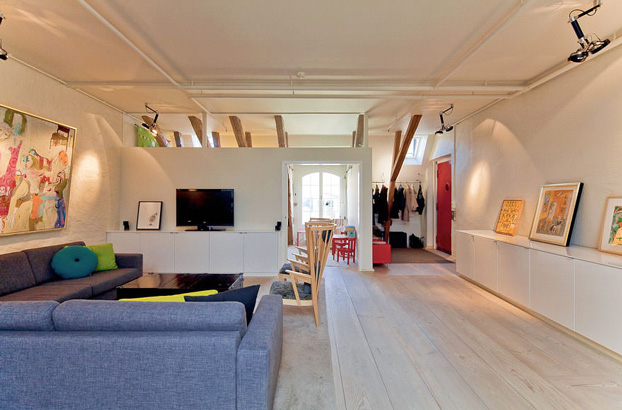 attic penthouse with beams 6