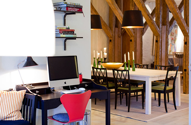 attic penthouse with beams 9