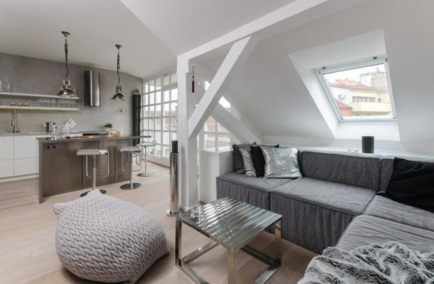 attic apartment in prague decoholic. Black Bedroom Furniture Sets. Home Design Ideas