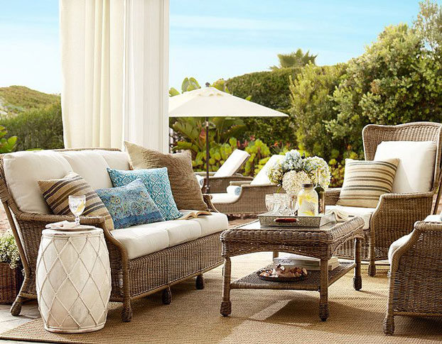 10 stylish comfortable and enduring outdoor patio for Comfortable lawn furniture