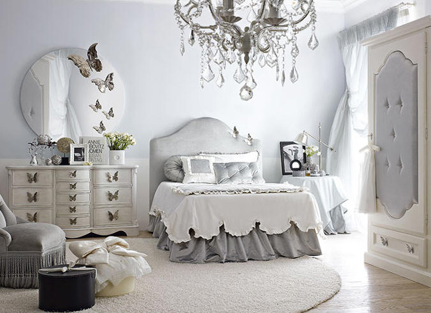 Charmant Romantic Light Gray And White Bedroom Dolfi