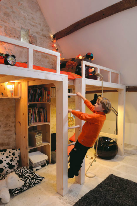 Awesome attic loft kids 39 bedroom decoholic for How to make a loft room