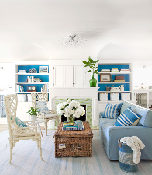 14 great beach themed living room ideas decoholic for Seaside home decor ideas