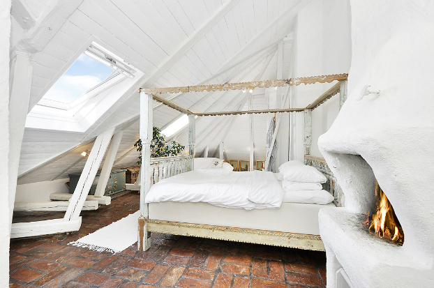 Gorgeous White Attic Penthouse 10