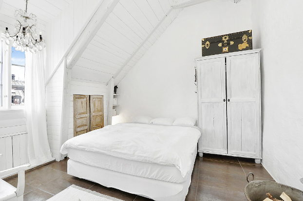 Gorgeous White Attic Penthouse 13