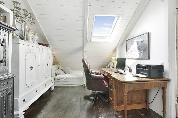 Gorgeous White Attic Penthouse 15