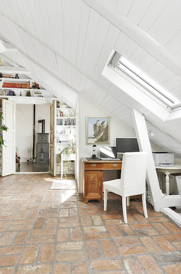 Gorgeous White Attic Penthouse 5