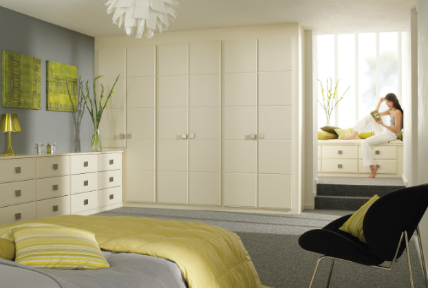simple cream bedroom ideas