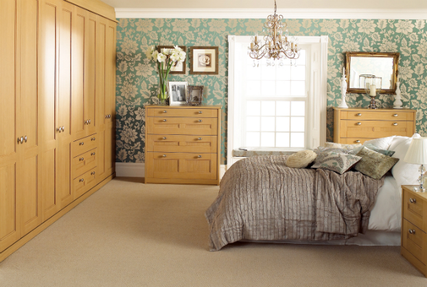 Simple yet beautiful bedroom designs decoholic for Bedroom ideas oak furniture