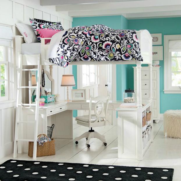 Teenage Girls Bedding Idea with desk