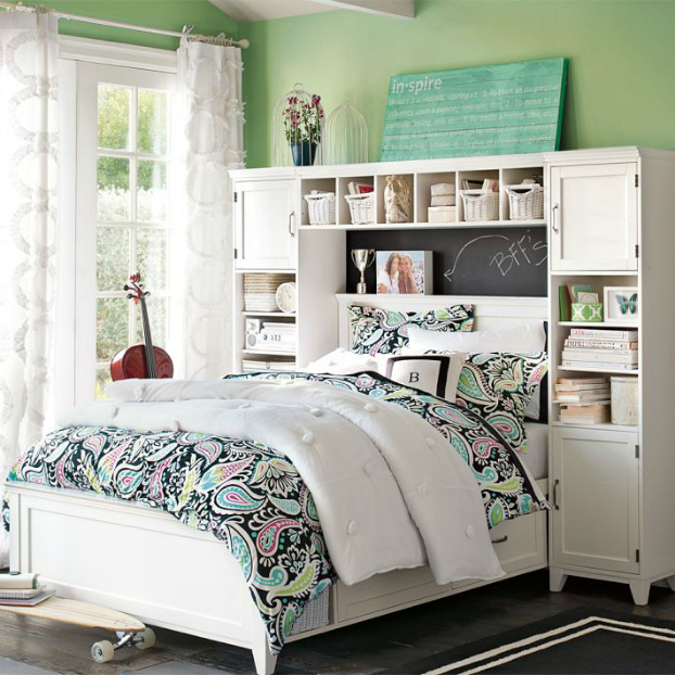 Light Green Teenage Girls Bedding Idea