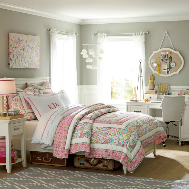 White and Pink Teenage Girls Bedding Idea