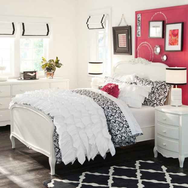 Teenage Girls Bedding Idea with red details