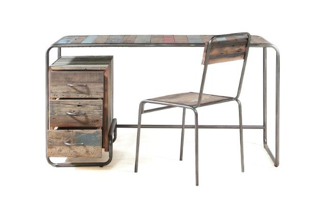 10 of the best vintage style desks decoholic. Black Bedroom Furniture Sets. Home Design Ideas