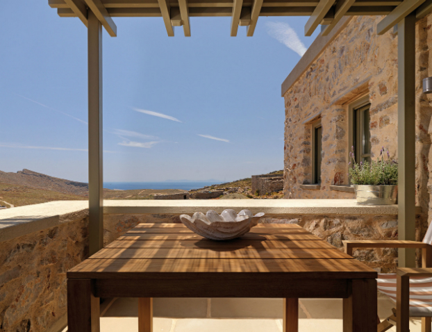 Themonies-4-Luxury-Suites-Folegandros