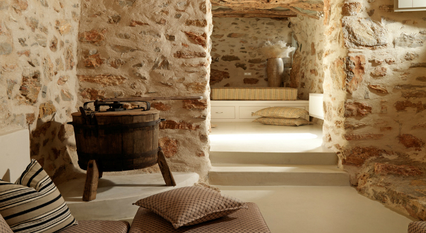 Themonies-6-Luxury-Suites-Folegandros
