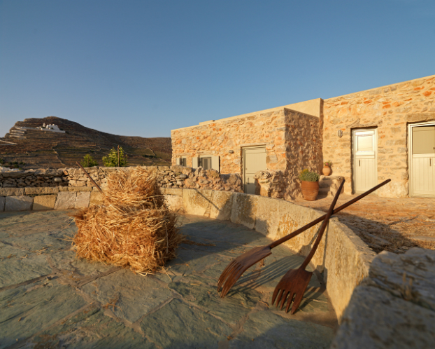Themonies-8-Luxury-Suites-Folegandros