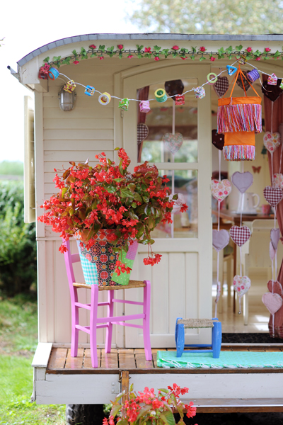 Best Decoration Ideas: 11 Awesome Camping Decorations