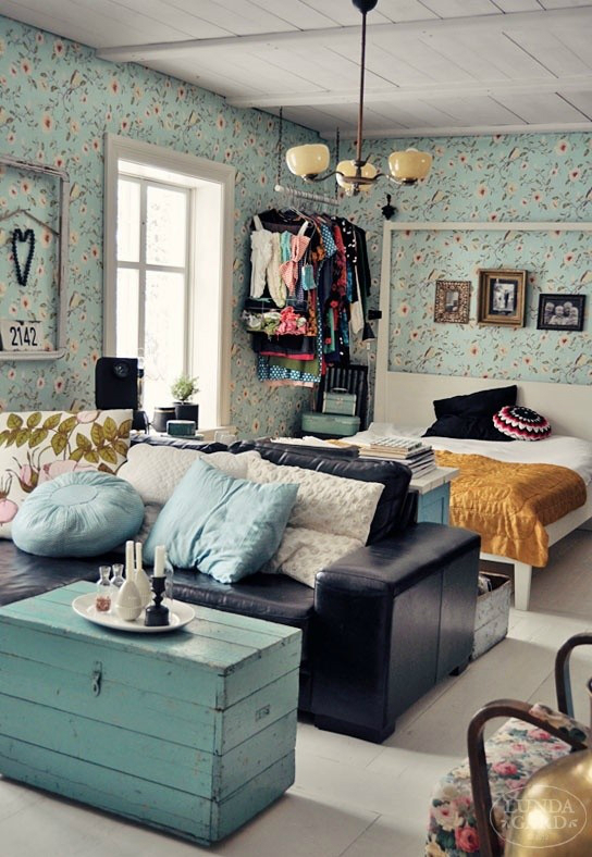 big design ideas for small studio apartments. Black Bedroom Furniture Sets. Home Design Ideas