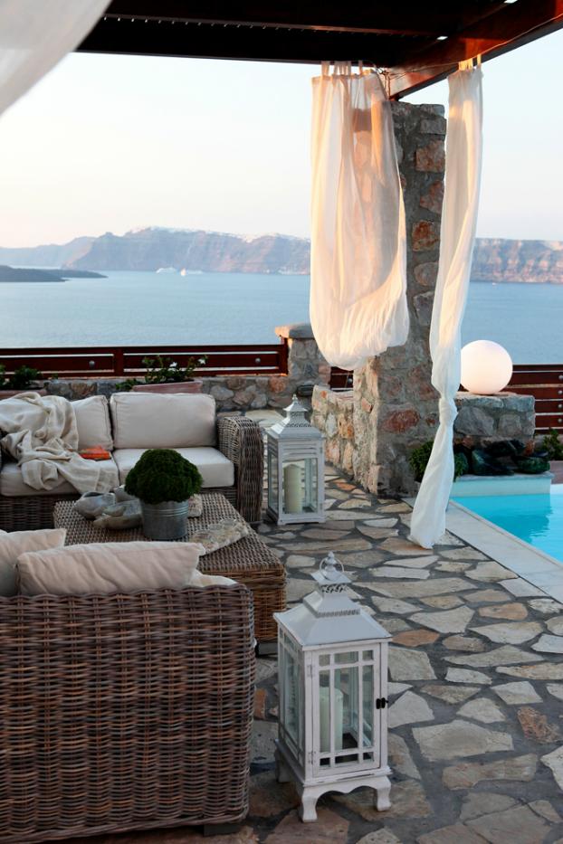 Mikaela Villa In Santorini 20